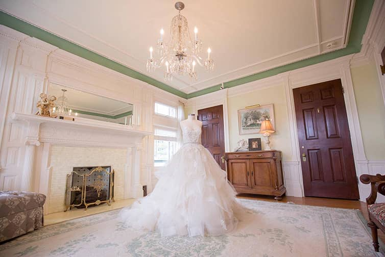 van-dusen-mansion-bridal-suite26-small.jpg